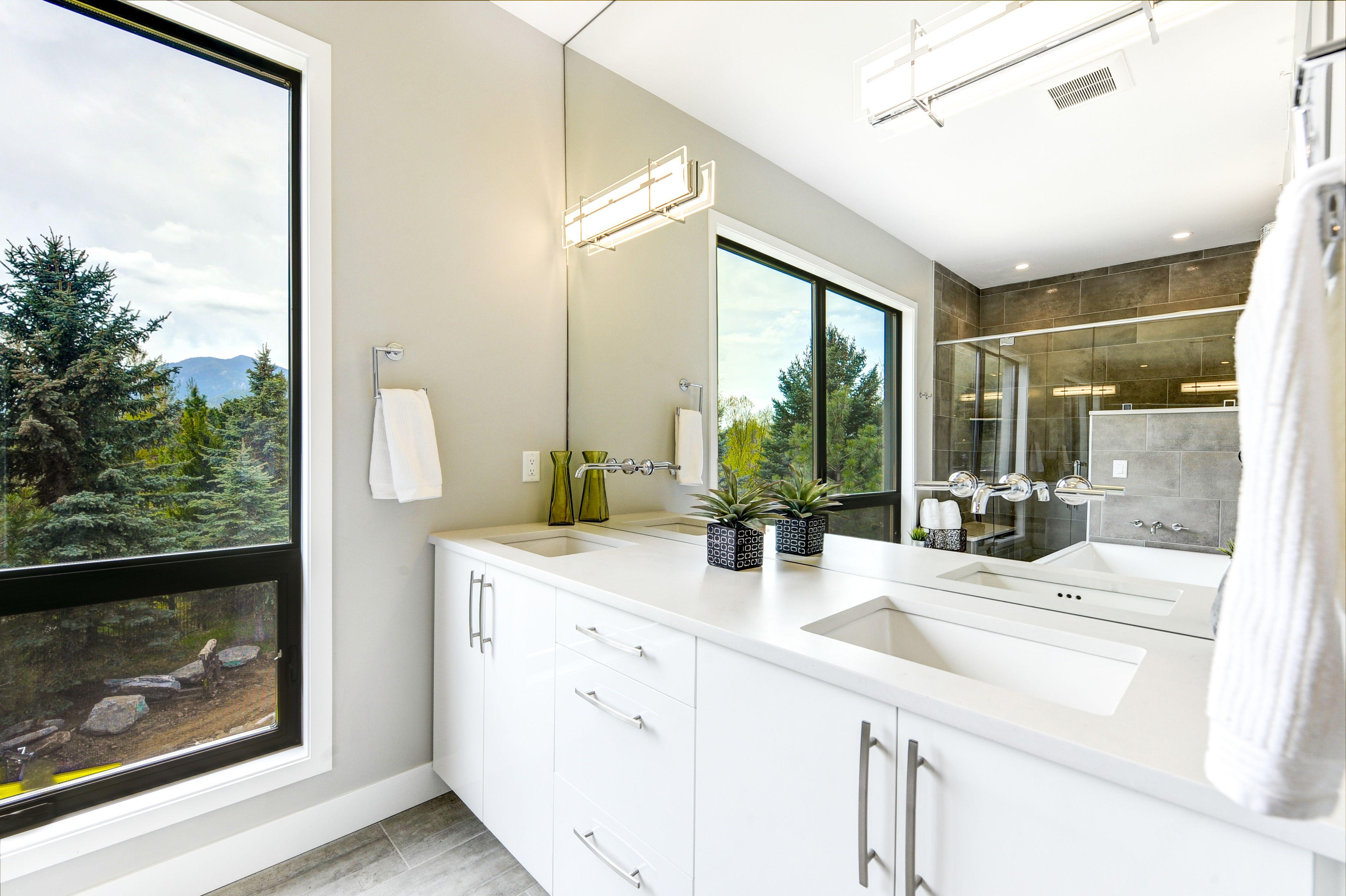 Bathrooms - Concept 32 Custom Cabinet Studio