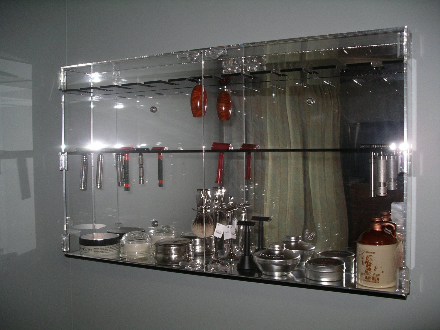 The Finest In Acrylic Fabrication J Display Case