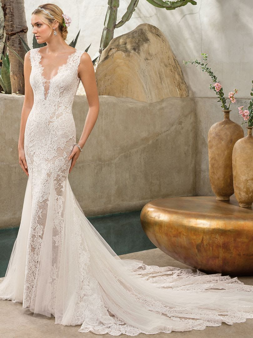 e8c67052b Both parts casual and classy, this light and breezy wedding gown is just  the look for brides who seek to achieve elegance without compromising  comfort.